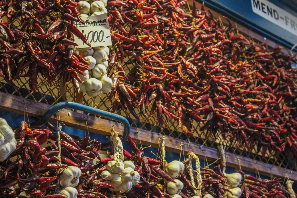 pověšené chilli